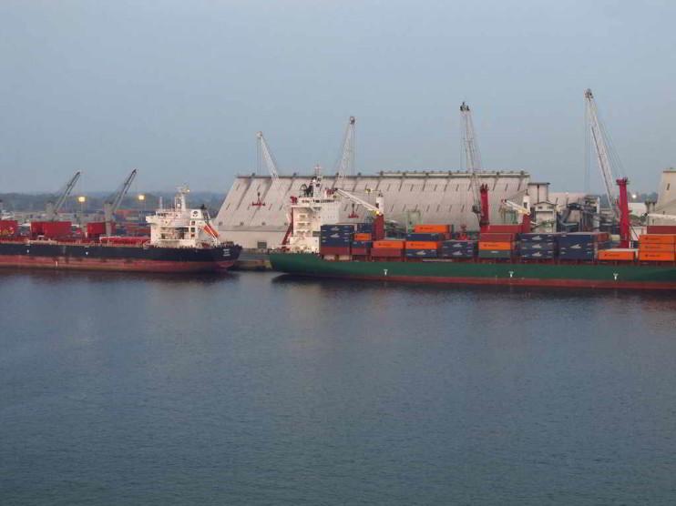 Papel de la mujer como elemento de cambio en el sector portuario de Guatemala