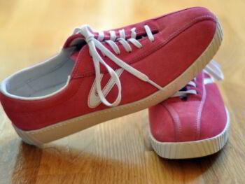 Rediseño de la estructura administrativa y proceso de producción en una compañía manufacturera de zapato tenis