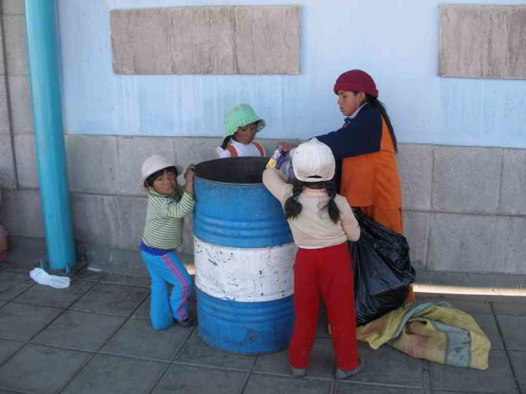 Revalorización del capital social en mujeres usuarias del programa JUNTOS en Perú