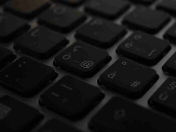 Desafíos morales de la nueva cultura digital. Ensayo