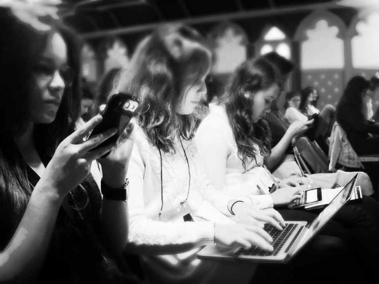 Reinventando el periodismo en la era del Internet