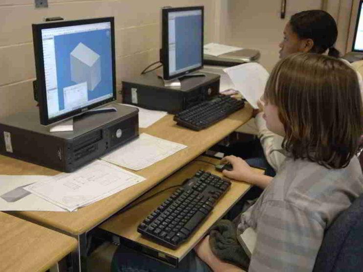Las nuevas tecnologías y los nuevos paradigmas en Educación