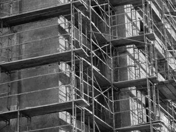 Información contable razonable para la toma de decisiones en una empresa constructora