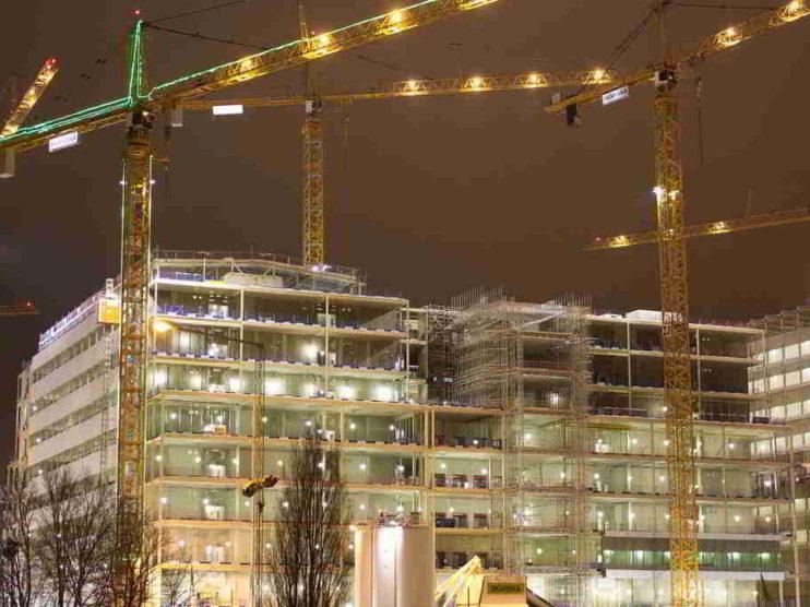 Información tributaria, laboral y contable para la toma de decisiones de una empresa constructora