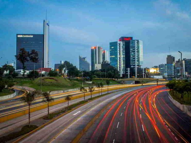 Contabilidad financiera para la toma de decisiones en las grandes empresas de Lima Perú