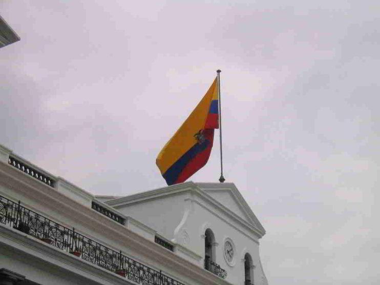 Factores que afectan la productividad del Gobierno Autónomo Descentralizado en Cantón Sucre Ecuador