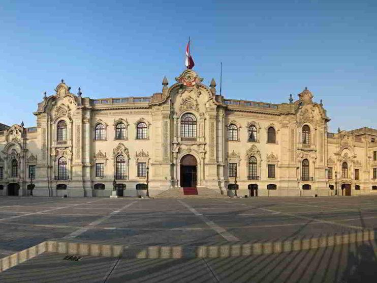 La corrupción y la inseguridad ciudadana y su impacto en el clima de negocios en el Perú