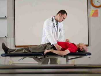As políticas públicas educativas na formação de médicos em Cuba e no Brasil