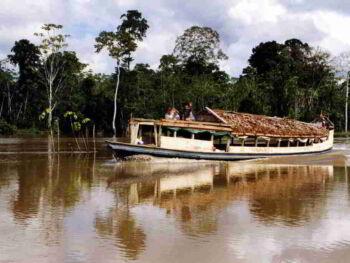 Actividad minera cerca de fuentes de agua en el Perú