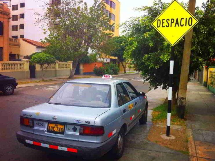 Regulación de los aplicativos para el servicio de taxis en el Perú