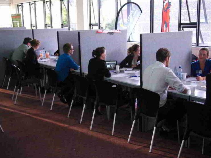 Experiencia o juventud en el proceso de incorporación de recursos humanos
