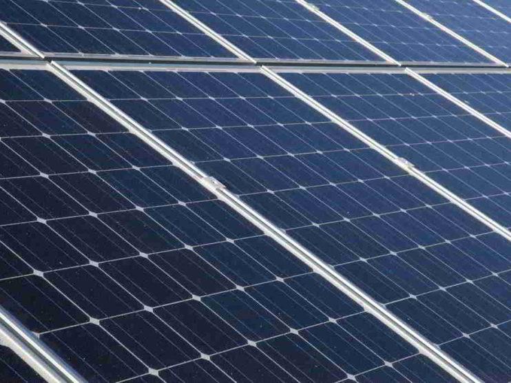 Paneles Solares. ¿Nuestra primera opción para la empresa?
