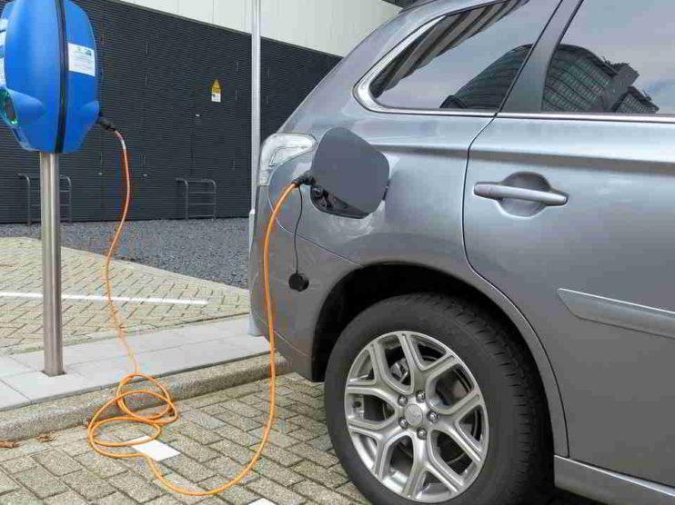 Pasado, presente y futuro del automóvil eléctrico o como el auto verde puede salvar al planeta