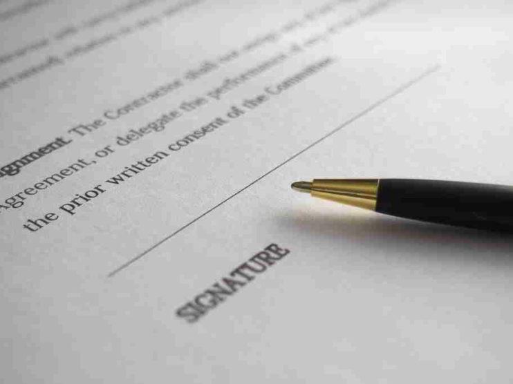 Contrataciones y pagos anticipados en el sector público de Costa Rica