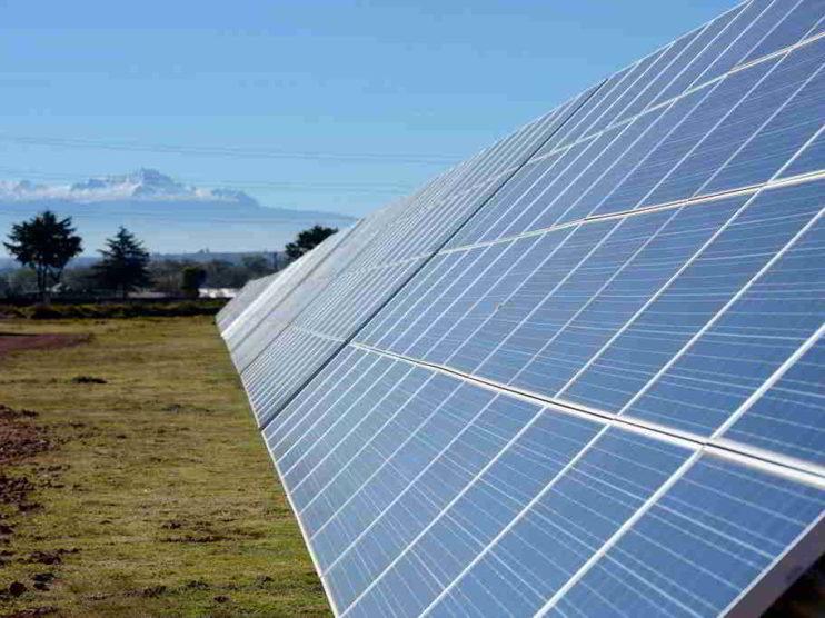 Ángulo de inclinación para paneles solares y captura de radiación solar