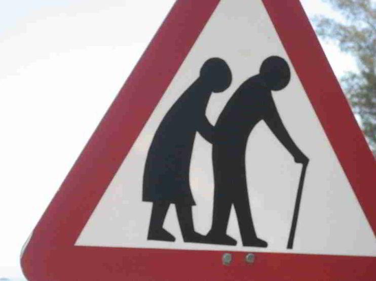Propuesta de política pública de atención al adulto mayor en una población de Colombia