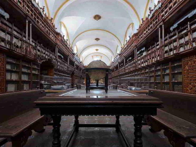 Software libre vs software propietario: Sistemas integrales para la automatización en Bibliotecas