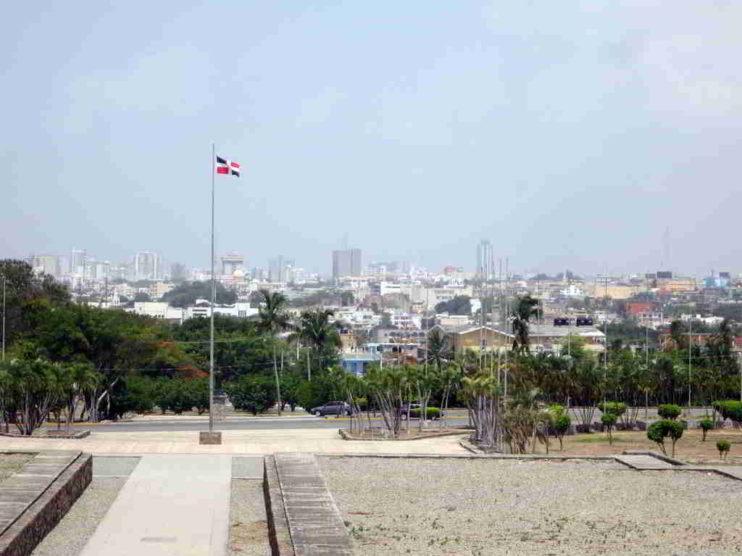 Crecimiento Económico y Salario Real en República Dominicana. 1991 – 2017