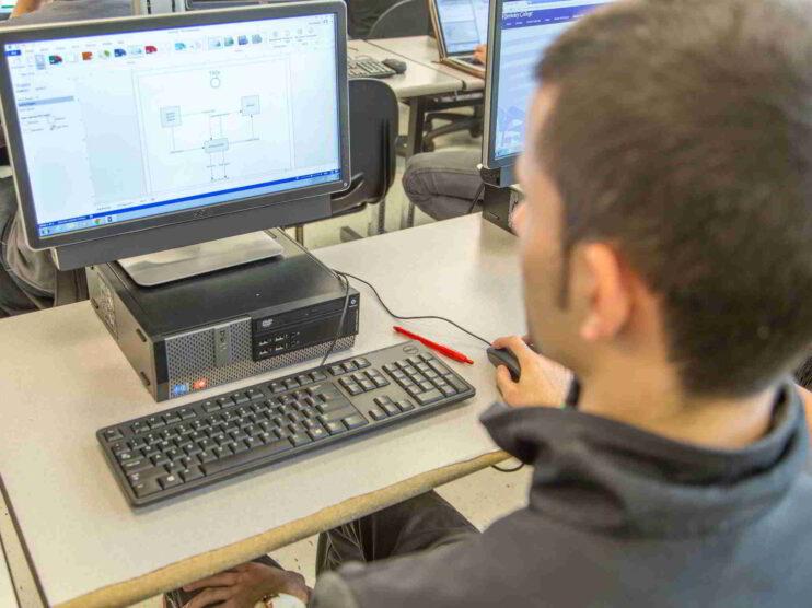 Análisis del Modelo de educación a distancia en México