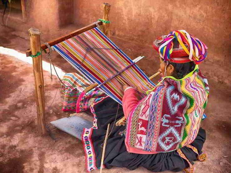 La mujer y el poder en el Perú
