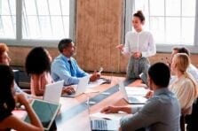 Presentan 2 cupos de créditos enfocados en mujeres empresarias y relacionadas con las TIC