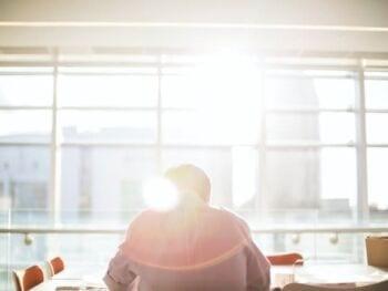 Importancia del clima organizacional y sus dimensiones: motivación, satisfacción laboral, estimulación, liderazgo y comunicación